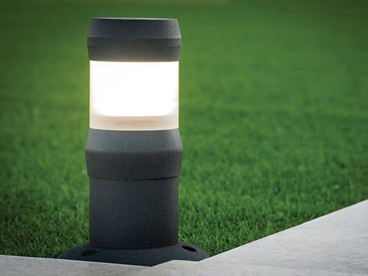Lampada da terra per esterno a LED ONLINE   Lampada da terra per esterno by Kriladesign