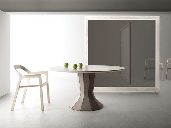 Round wooden table OPERA   Table by Bauline