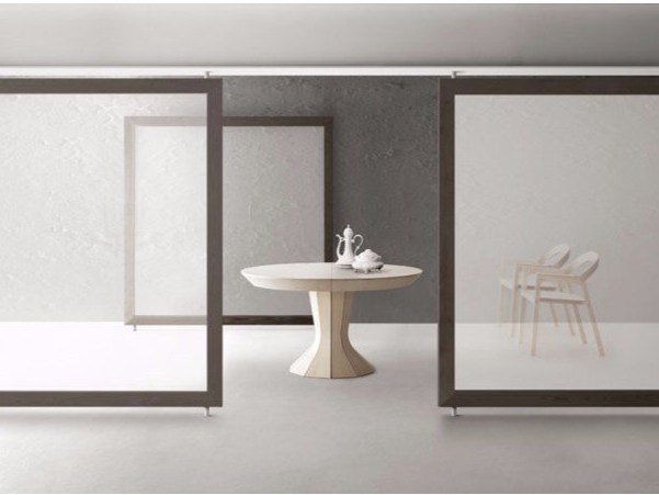 Extending round wooden table OPERA | Extending table by Bauline