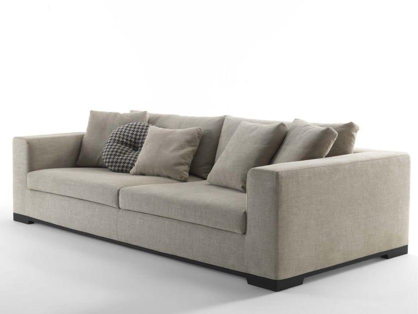Orazio 4 seater sofa by frigerio salotti for Salotti poltrone sofa