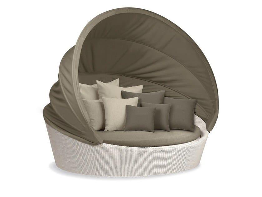 3 seater igloo-shaped garden sofa ORBIT LOVESEAT XXL by Dedon