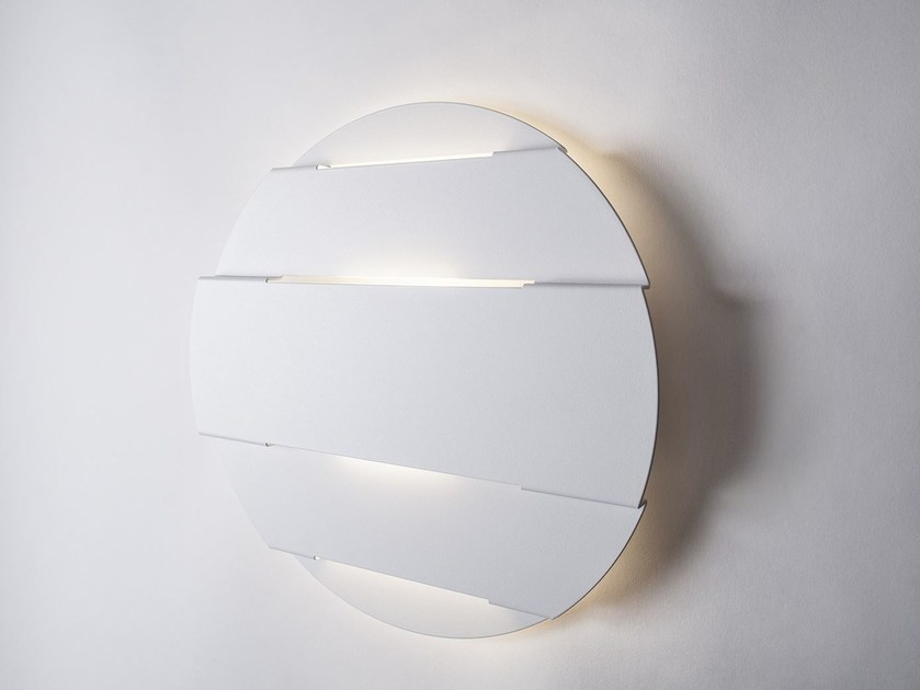 LED direct light metal wall lamp ORIZZONTI by Lucente