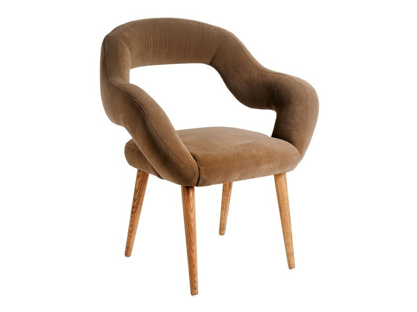 Fabric easy chair with armrests OSTRA by Branco sobre Branco