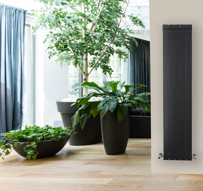Wall-mounted die cast aluminium decorative radiator OTTIMO+ by Radiatori 2000