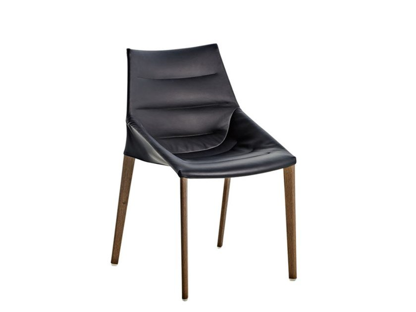Ergonomic upholstered leather chair OUTLINE | Leather chair by Molteni & C.