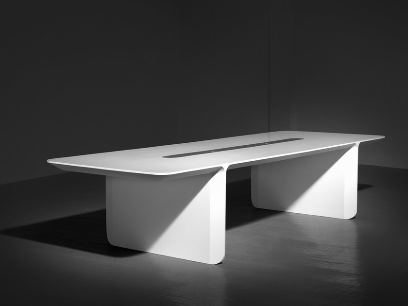 Rectangular Solid Surface® meeting table OUTLINE by Isomi