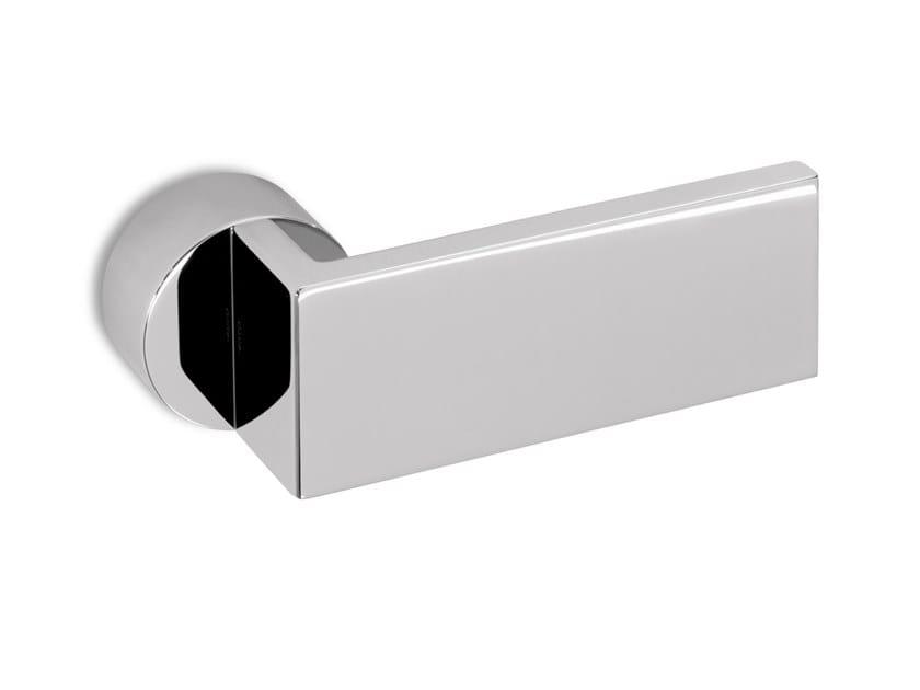 Brass door handle PAGE | Door handle by Ento