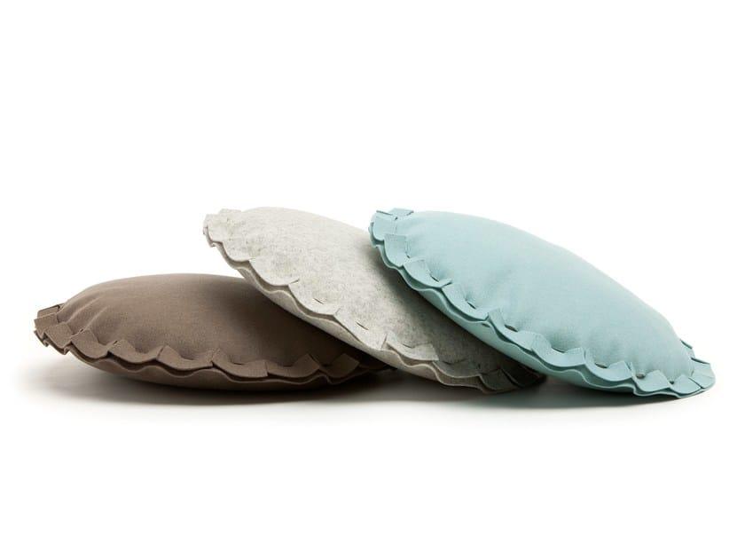 Round felt sofa cushion PAI   Round cushion by HEY-SIGN