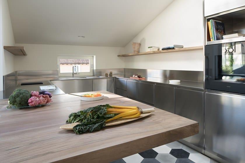 Cucina Su Misura In Acciaio Inox Con Isola Atelier Cucina Su Misura Abimis
