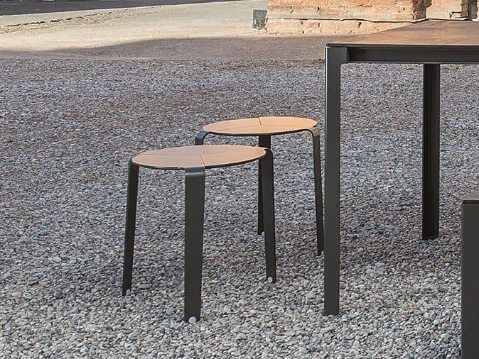 Sgabello tavolino in alluminio verniciato a polvere palette by