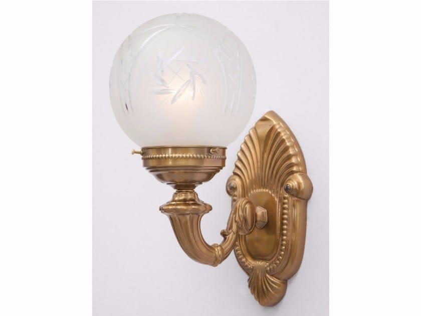 Lampada da parete a luce diretta fatta a mano in ottone PAPA III   Lampada da parete by Patinas Lighting