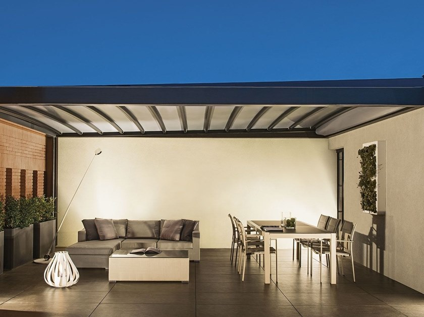 Freestanding motorized awning PAREO by Frigerio Tende da Sole