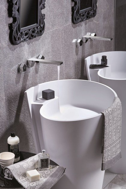 Rubinetto per lavabo a 3 fori a muro PARK | Rubinetto per lavabo a muro by newform