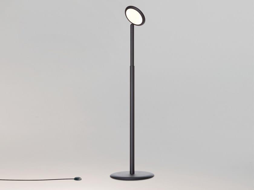 Height-adjustable aluminium floor lamp cordless PARROT by Tobias Grau