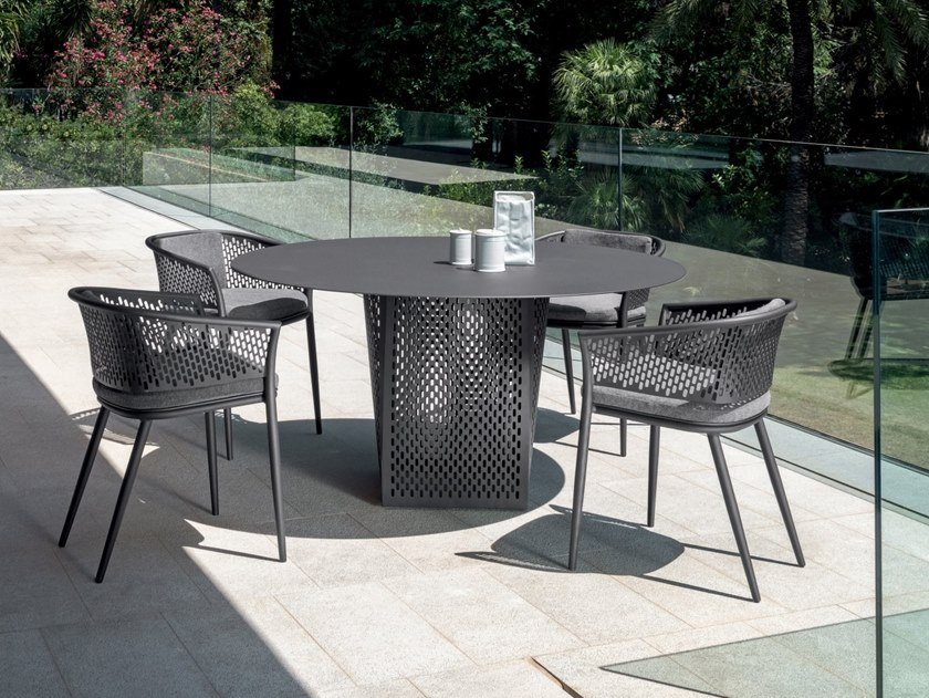 Round garden table PASCAL | Round table by Talenti