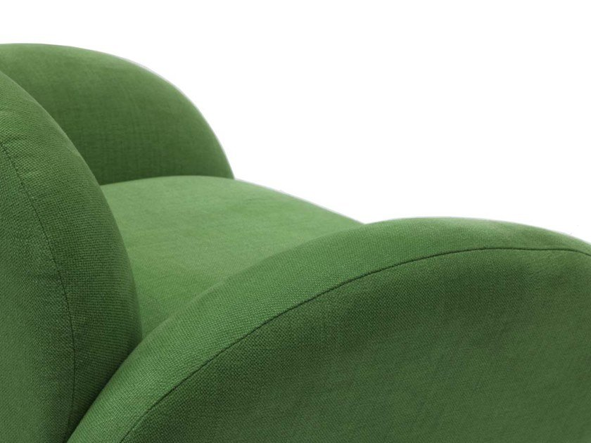 Velvet easy chair with armrests PATAGONIA by Moanne