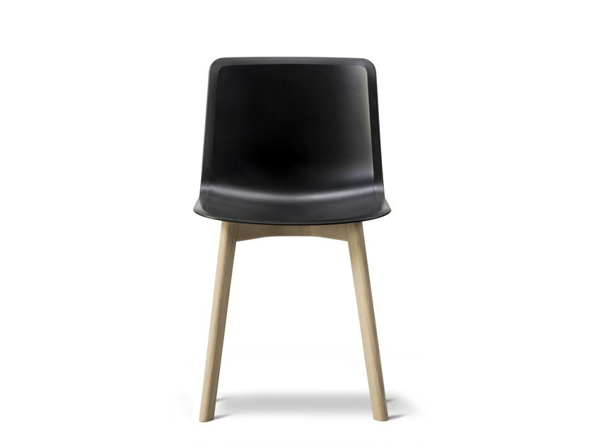Sedia in polipropilene PATO WOOD BASE | Sedia in polipropilene by FREDERICIA FURNITURE