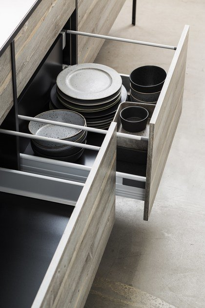 Kitchen with island without handles PATTINA | Kitchen by Sanwa Company