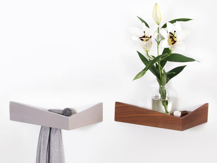 Perchero / estante de madera PELICAN MEDIUM I Wooden shelf with hooks by Woodendot