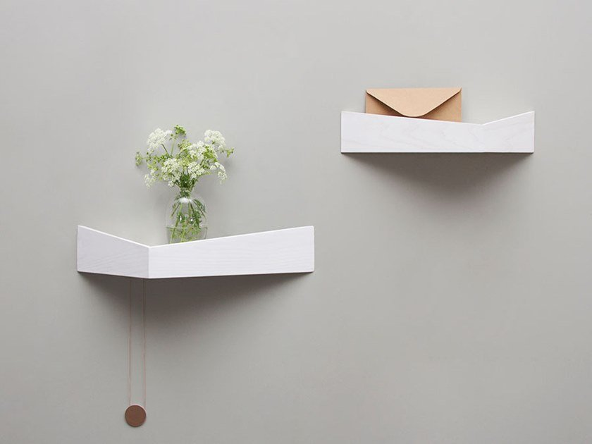 PELICAN MEDIUM I Wooden shelf with hooks