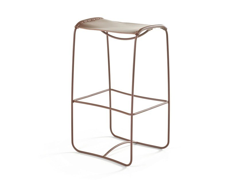 High sled base leather stool PERCHING | High stool by Artifort