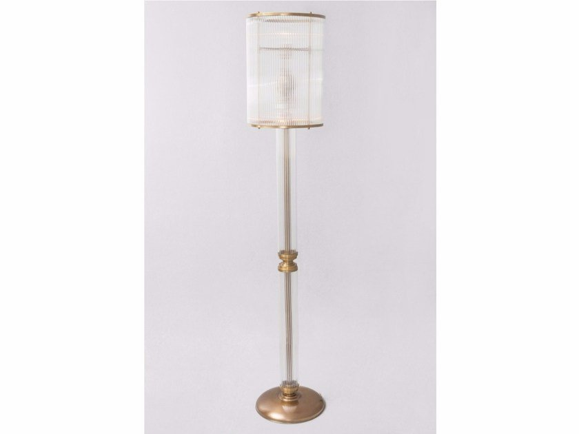 Direct light handmade brass floor lamp PETITOT I | Floor lamp by Patinas Lighting