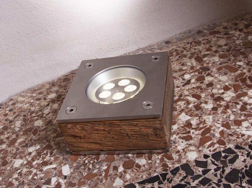 Segnapasso a pavimento in acciaio inox e legno PEUGEOT by Brillamenti