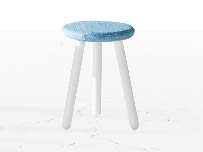 Fabric stool PICKET | Fabric stool by Derlot Editions