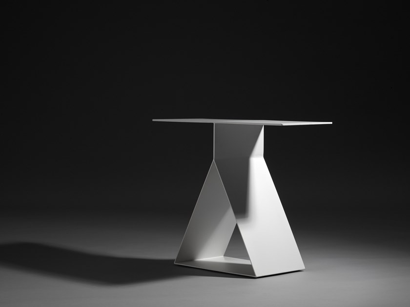 Metal side table PICTO | Coffee table by ZENS Lifestyle