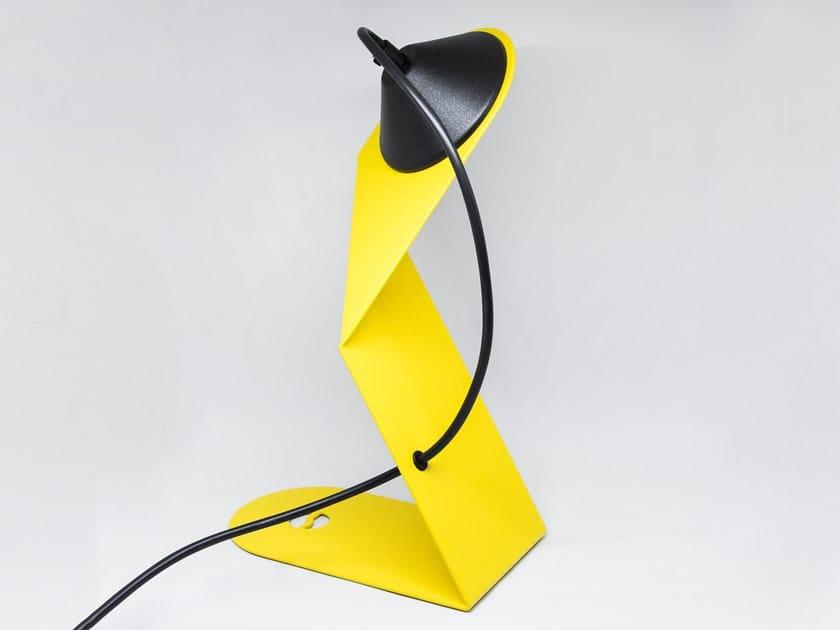 LED metal table lamp PIEGA by Stilnovo