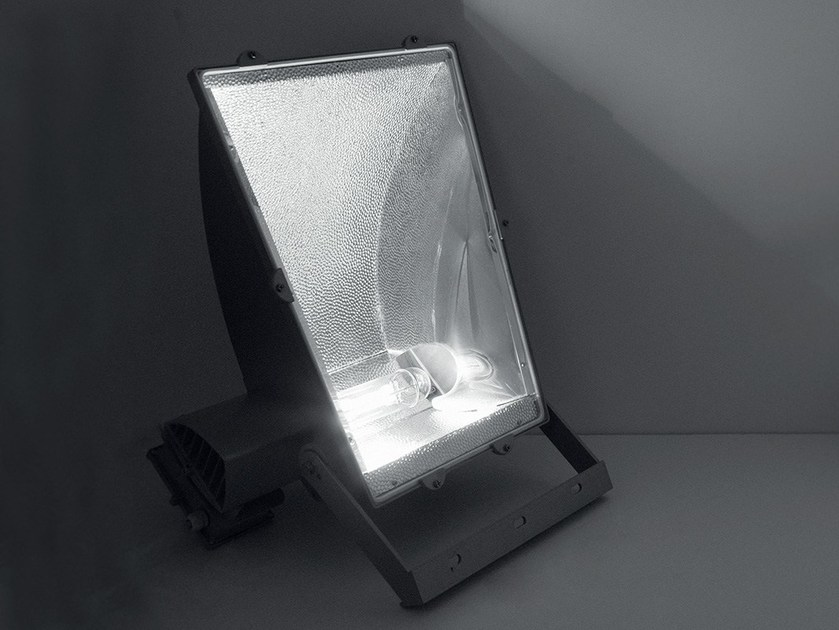 Die cast aluminium Outdoor floodlight PILOT by LANZINI