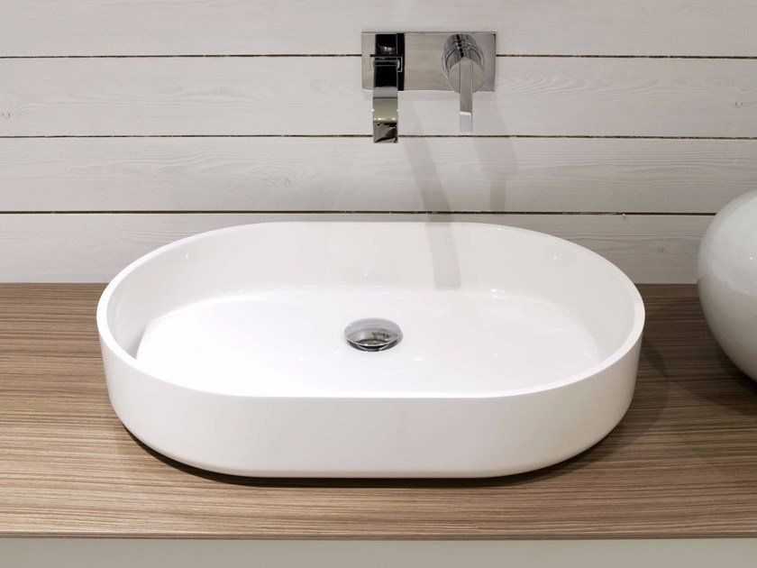 Oval Ceramilux® washbasin PIPER by Antonio Lupi Design