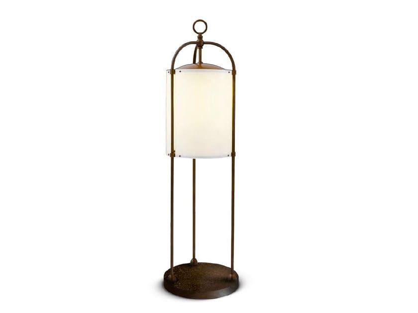 Lampada da terra per esterno in ottone PITOSFORO by Aldo Bernardi