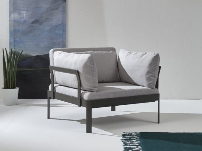 Fabric armchair with armrests PLANE FOR IN | Armchair by iCarraro