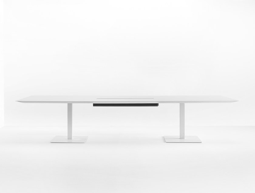Rectangular meeting table PLANO 2 by Pedrali