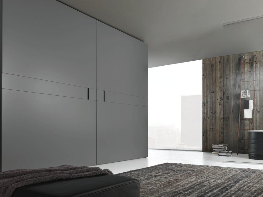 Lacquered wardrobe with coplanar doors PLAY by JESSE