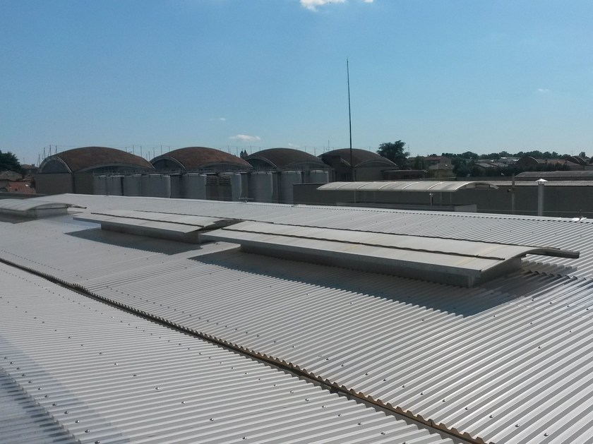 Insulated metal panel for roof PLUS 28™ by CENTROMETAL