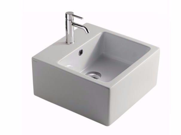 Square ceramic washbasin PLUS DESIGN 40 | Square washbasin by GALASSIA