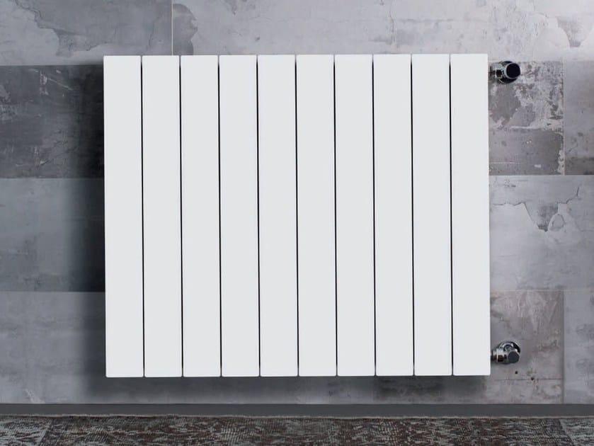 Hot-water wall-mounted die cast aluminium decorative radiator PLUS by Radiatori 2000