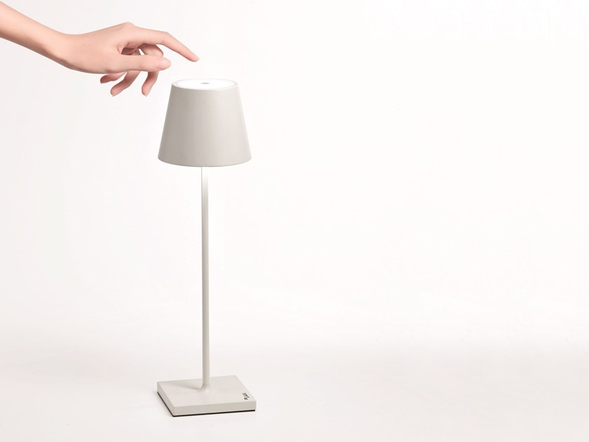 LED aluminium table lamp with rechargeable battery POLDINA by Ailati Lights