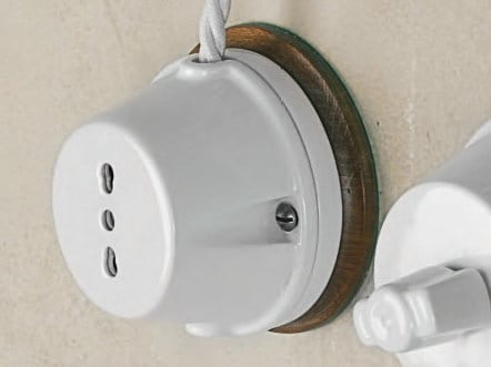 Single ceramic electrical outlet POLLUCE | Electrical outlet by Aldo Bernardi