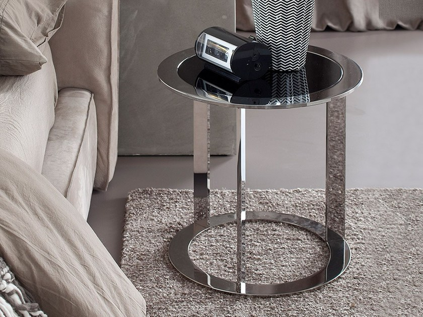 Round bedside table POP by Chaarme Letti