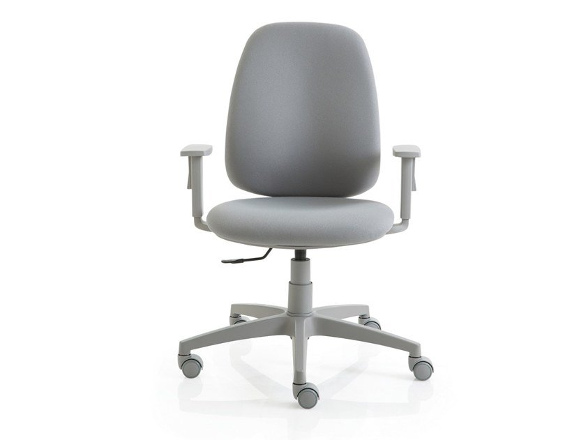 Task chair with 5-Spoke base with armrests POST 10 | Task chair with armrests by Luxy
