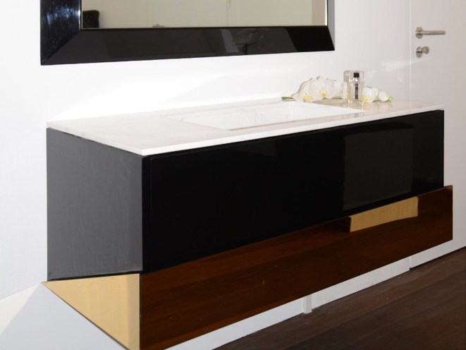Rectangular single washbasin with integrated countertop PRESTIGE   Washbasin with integrated countertop by Swiss Concepts
