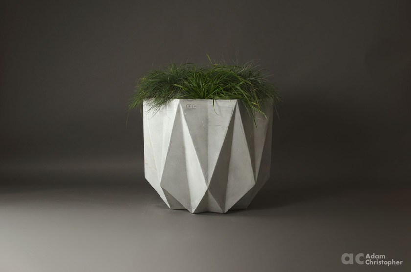 PRISME | Fioriera in cemento