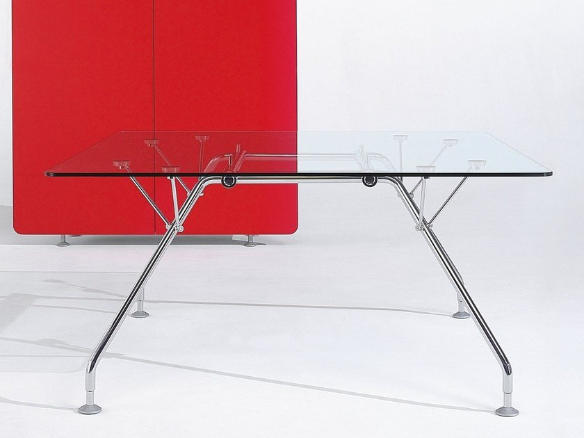 Square glass meeting table PROSPERO   Glass meeting table by NEWTOM by Ultom