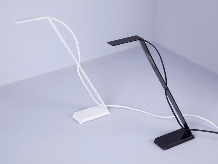 Lampada da scrivania a led in acciaio pura by engi
