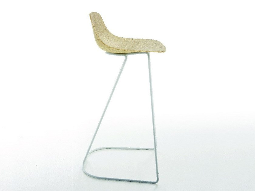 Cantilever multi-layer wood stool with footrest PURE LOOP MINI DANDY STOOL 3D by Infiniti