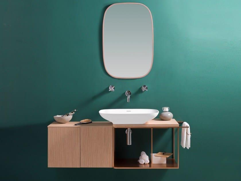 Mobile lavabo sospeso in legno con specchio PURE by KRION