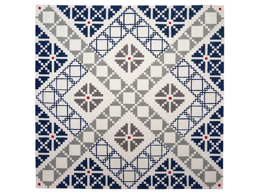 Handmade square wool rug with geometric shapes PUZZLED by Dare to Rug